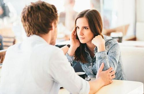 约会吃饭后女生转钱给男生,是什么意思?-反馈吧