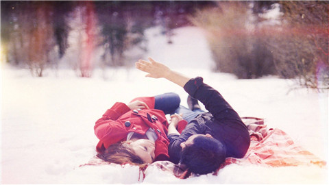 浪漫的女孩有什么特点,怎么追浪漫女孩?-反馈吧