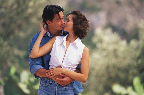 第一次和女生接吻时间多久第2张