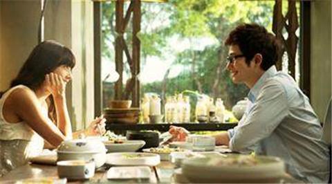 第一次约女生吃饭需要注意什么,才能顺利升级关系?第1张