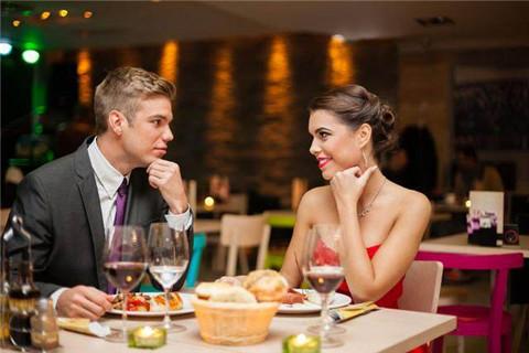 第一次约女生吃饭需要注意什么,才能顺利升级关系?第2张