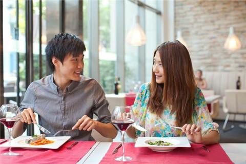如何在约会时拉近关系?做好这两点就够了-反馈吧