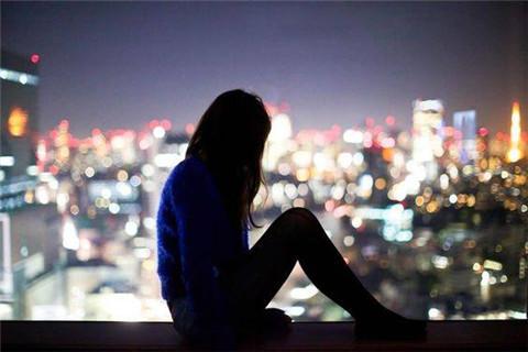 女人半夜发朋友圈是什么心理?该怎么去撩?第2张