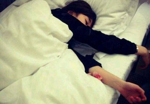 女生说睡觉了怎么回复幽默又肉麻?第1张