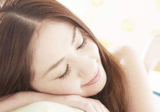 怎么哄女孩睡觉?几种甜蜜方法哄她入睡第1张