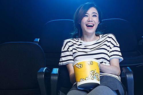 约女生看电影怎么开口不容易被拒绝?第2张