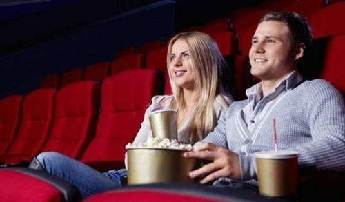 约女生看电影怎么开口不容易被拒绝?第3张
