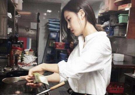 女生给男生做饭的意义,是不是接纳你了第1张